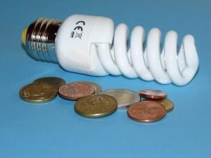 Energiesparlampe1 437770_R_K_B_by_Dieter Schütz_pixelio.de