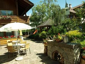 Garten Hotel Messnerwirt in Olang Pustertal@www messnerwirt com