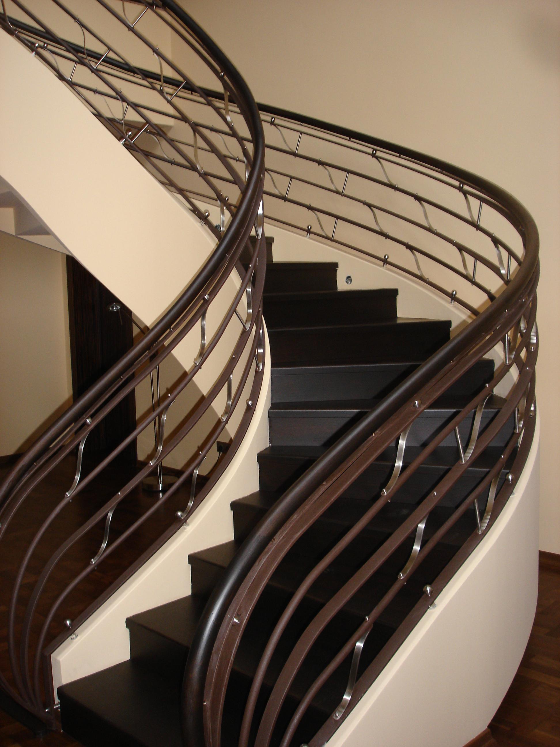 Intretinere scari interioare din lemn – cum se face?