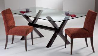 Masa din sufragerie : lemn sau sticla