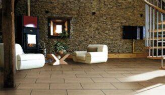 Amenajari interioare case cu pardoseala din PVC