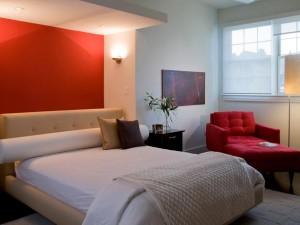 accente de rosu in dormitor