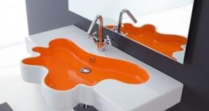 O pata de culoare in baie: accesorii Splash
