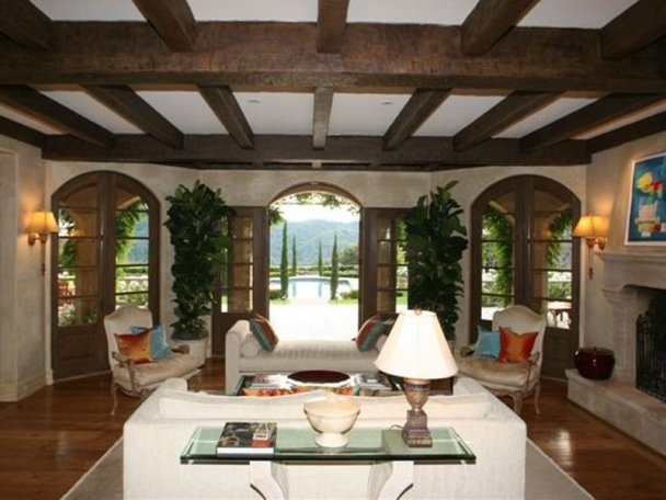 Stilul toscan in amenajare cald si natural for Tuscan style living room designs