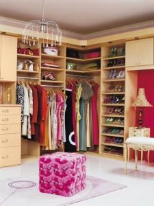 garderoba spatioasa