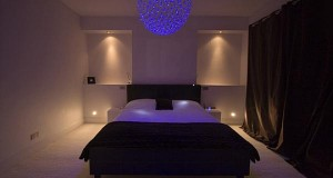 Cum sa folosim lumina ambientala in dormitor