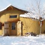 casa cob iarna