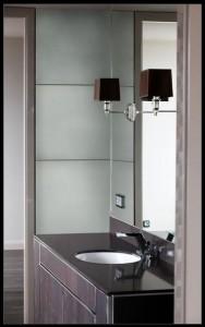 baie cu pereti acoperiti cu Powderglas