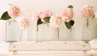 5 moduri inedite pentru a decora casa cu flori proaspete