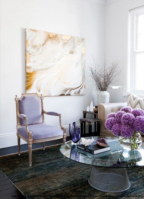 Cum integram scaune vintage in design interior