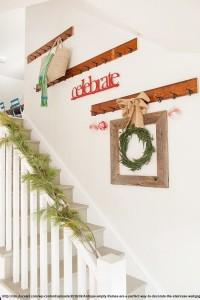suporturi de cuier pe perete in zona scarilor